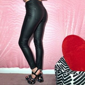 H&M trendy black pleather pants